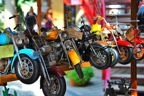 nettoyer moto miniature